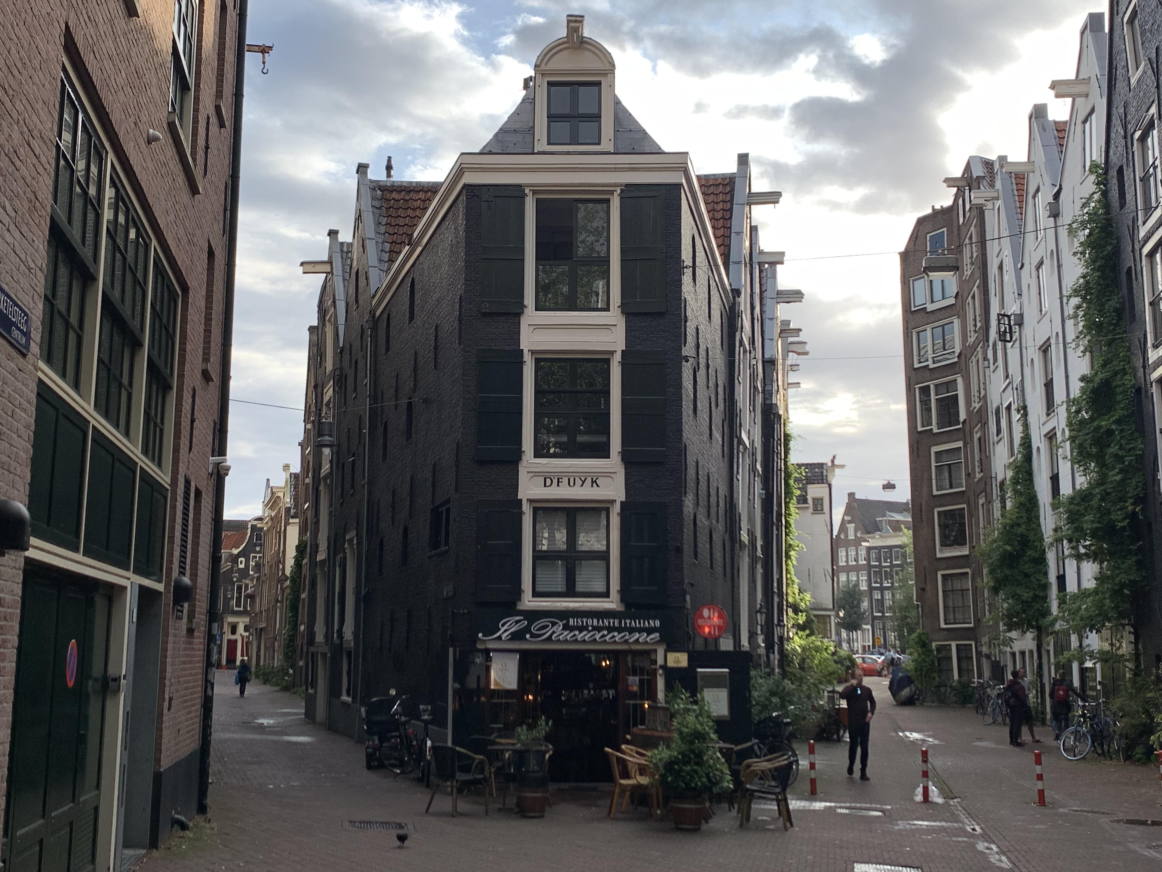 Amsterdam32